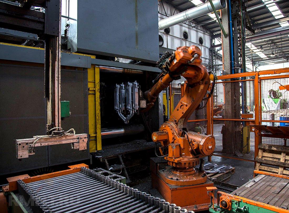 Изготовление биметаллических радиаторов на заводе Royal Thermo
